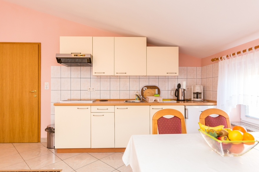 ferienwohnung medulin f r 6 personen medulin private 3 zi ferienwohnung vilic 4. Black Bedroom Furniture Sets. Home Design Ideas