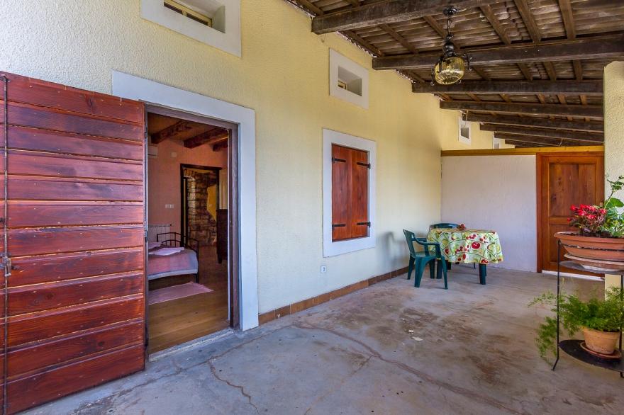 Landhaus Eingang bildergalerie muntic 3 zi landhaus arno mit pool eingang balkon